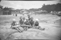 (写真7)昭和8年・興津海水浴場
