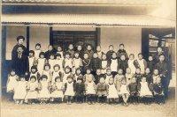 (写真6)大正11年・根岸幼稚園入園式