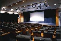 190席ある映画ホールでは良質なロードショー上映を行っており、新作映画の封切公開も行われる。上映内容は順次HPにアップしているので要チェック。