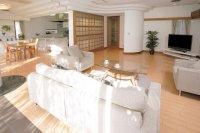 PIA-3.高円寺:オープンキッチンを兼ね備えたリビングダイニングとプライベートルーム、オフィスフロアが揃う『PIA-3高円寺』